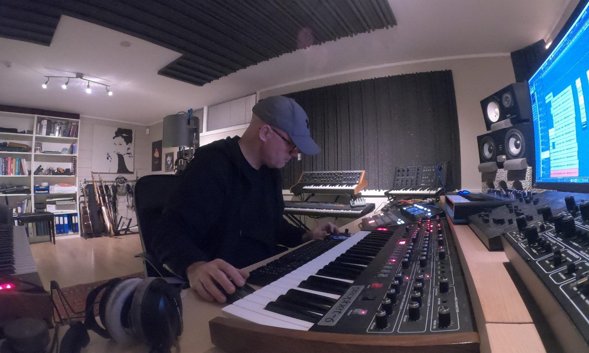Simon Field Inspiration Studio and DJ